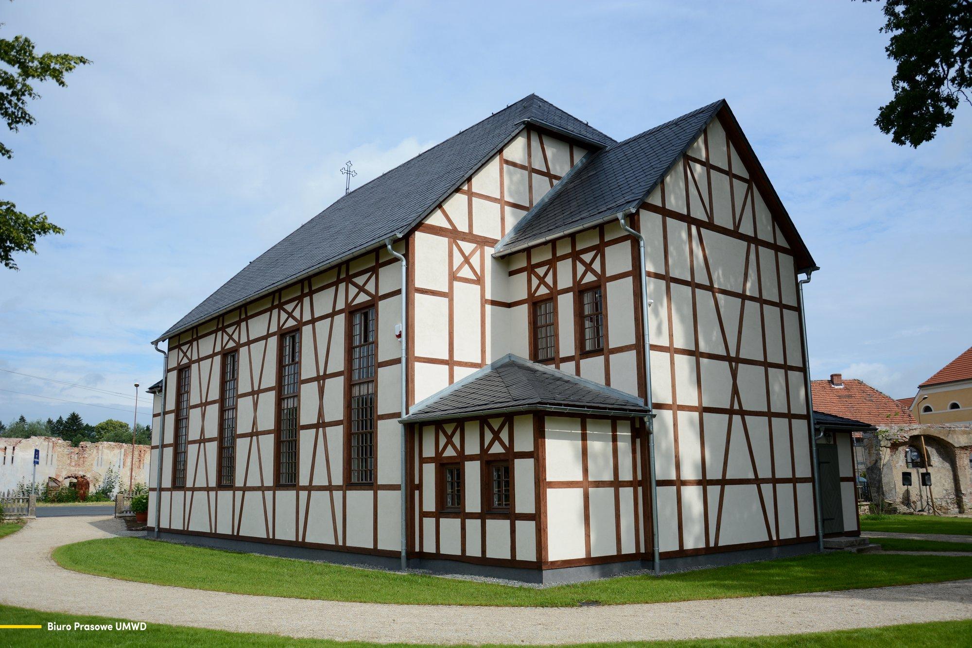 Schönwaldauer Bethaus in Lomnitz wieder eröffnet
