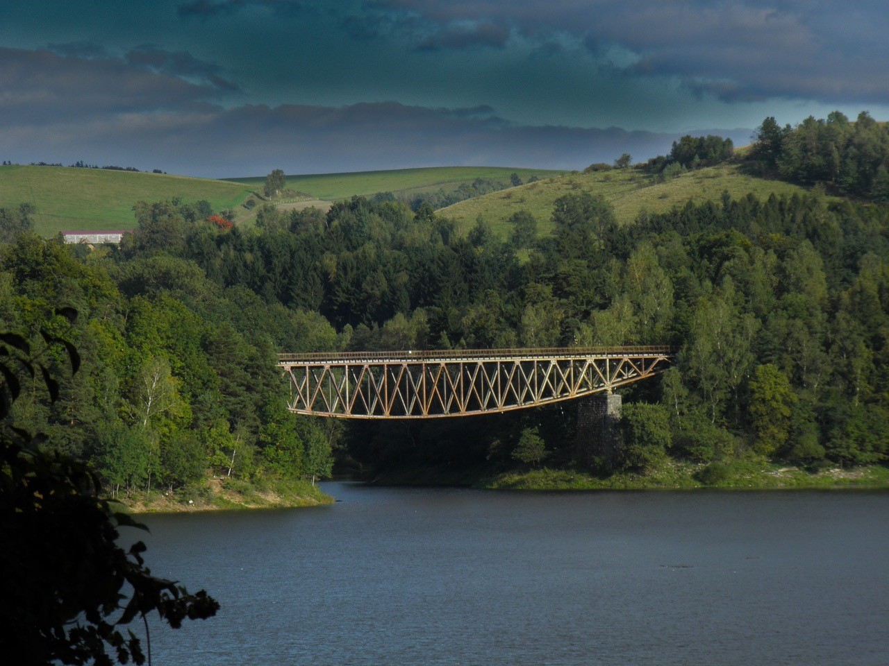 Bogenbrücke Mauer unter Denkmalschutz